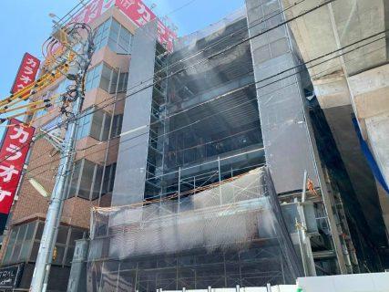 本多劇場裏にビル建設中!京王井の頭線の高架下開発本格化