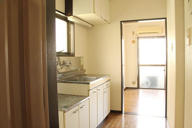 キッチンも収納も広く駅近角部屋なのにお得なワケは?【駅チカ角部屋6万円台のワンルーム】