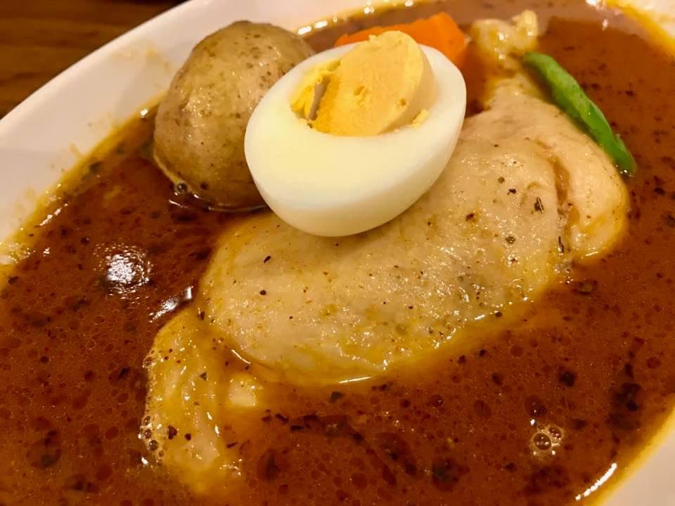 雨の月曜日こそカレー日和!「心」でお得にゆったりスープカレー