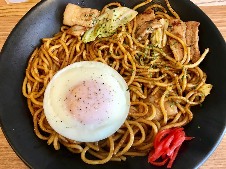 焼きそば欲が満たされる! エモーショナルな夏の味を丁寧に再現「東京焼き麺スタンド」
