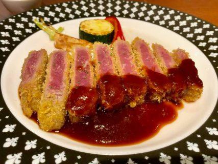 肉の味を堪能できる「ビストロBON」のやわらか牛カツ
