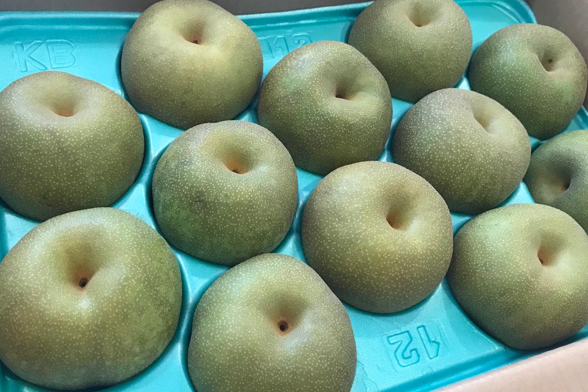 みずみずしい美味しそうな梨を頂きました☆