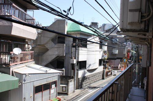 新宿通勤の強い味方!徒歩1分で小田急線「メゾンヤマネ」302号室