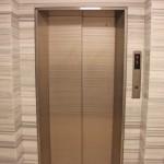 エレベーター完備。(内装)