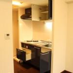 収納スペースをしっかり確保したキッチン。(キッチン)
