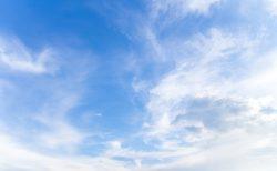 雲ひとつない空と小さな胸の燻ぶり