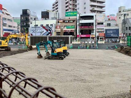 線路跡地、シモキタフロント前〜スーパーオオゼキ裏の仮整備始まる