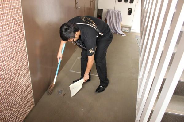 下北沢駅の冠水の原因は乗客の捨てたゴミ