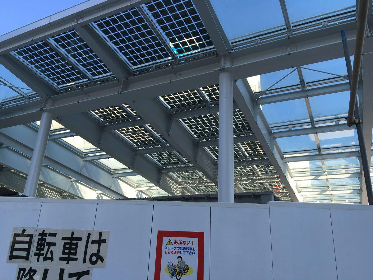 着々と工事が進行する新下北沢駅の南西口