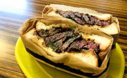 下北沢でしか食べられない!「STABLER cafe & meatsand」の肉厚&ジューシーな赤身ミートサンド🥪🥩