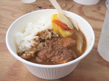 カレーフェスに空き地キッチンで提供されたsalmon&troutのsecret curryと、新情報!