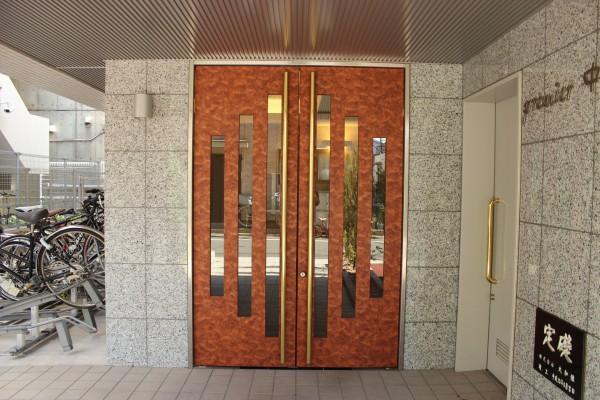 適度にカラーが添えられた、駅近・内容充実デザイナーズ「プレミール中延」201