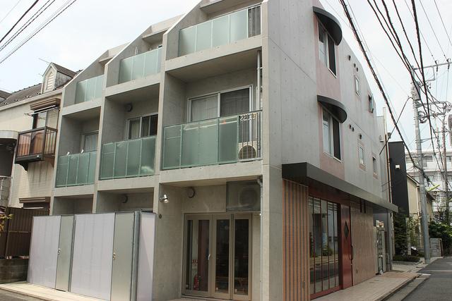 下北沢のデザイナーズに住む。「sidewalk下北沢」303号室