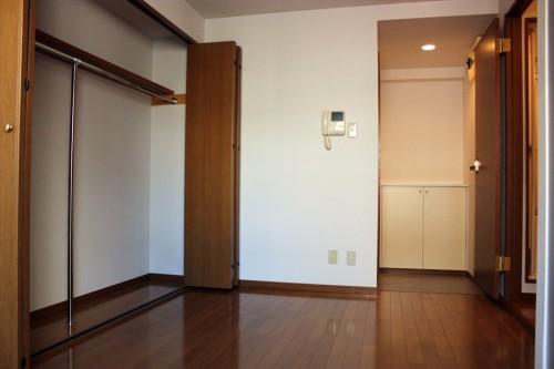 好条件多し!低予算で希望を叶えてくれる「ひのき烏山ビル」201号室