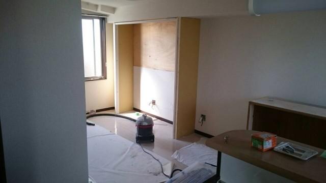 メゾンヤマネ401号室収納を刷新中