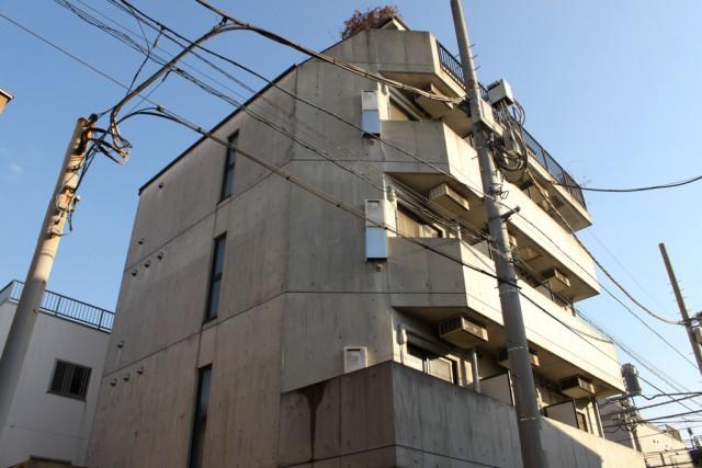 北沢川緑道の自然に癒され暮らす「MOYビル」302号室
