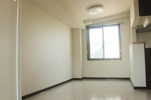 メゾンヤマネ 401号室