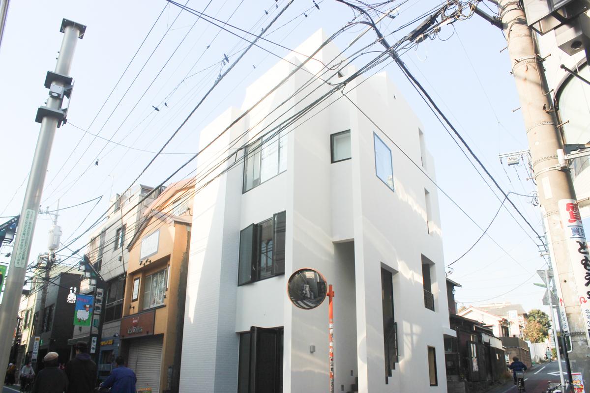 毎日がわくわくする、東京の屋根裏部屋「下北沢かどやビル」4F