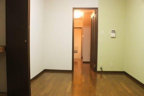 アベル北沢102洋室から玄関①